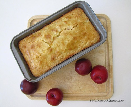 Plum cake with cottage cheese