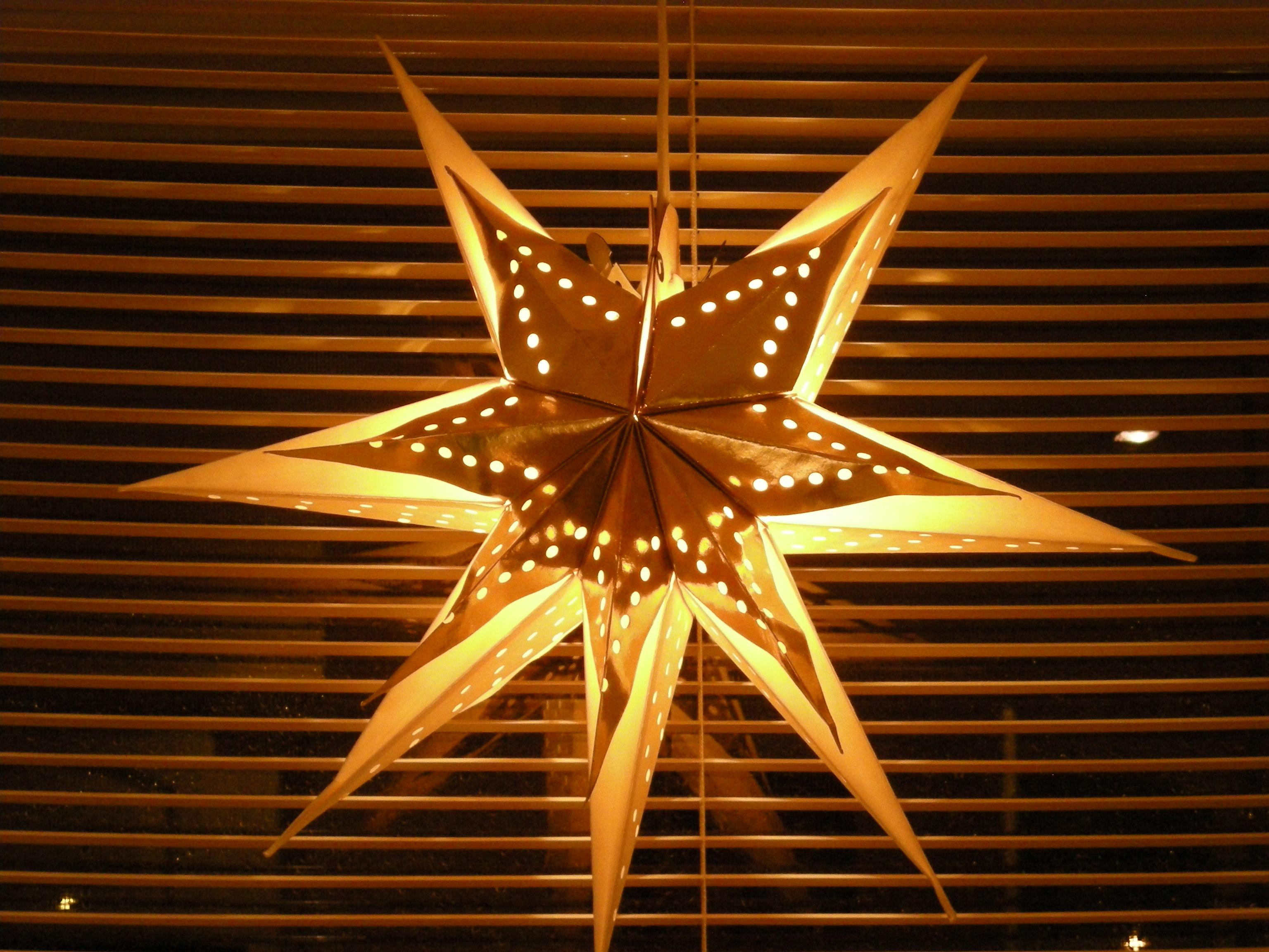 12 Days of Christmas – Sparkling Linzer Stars » Julen08 (3)