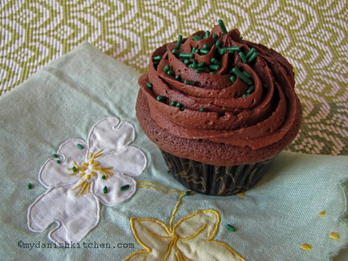 Devil's Food Cupcake With Perfect Chocolate Frosting