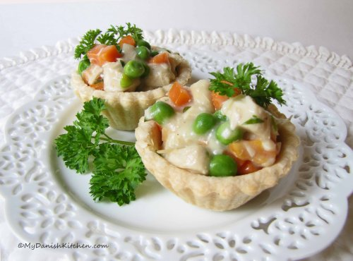 Tarteletter with Chicken, Peas and Carrots