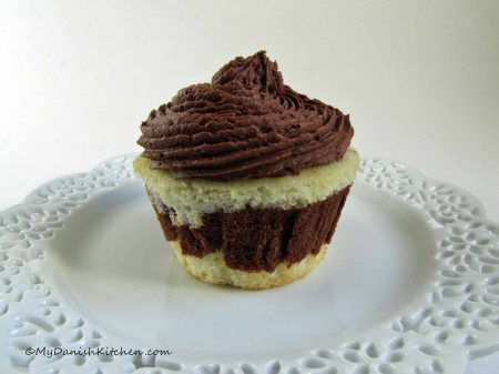 Marble Cupcake With Chocolate Frosting