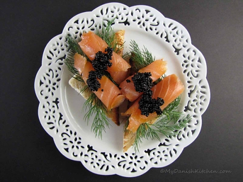 Smørrebrød with Smoked Salmon and Caviar