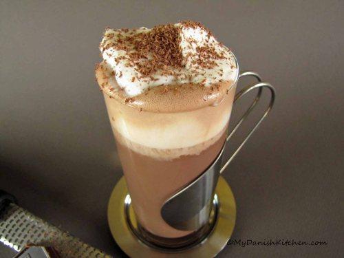 Varm Chokolade Med Amaretto