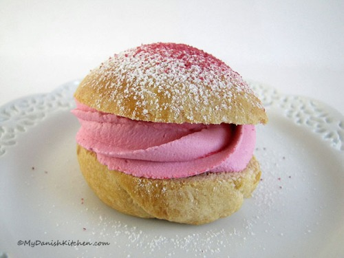 Fastelavnsbolle with Remonce and Raspberry Cream